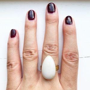 Vintage gold & ivory white teardrop egg ring